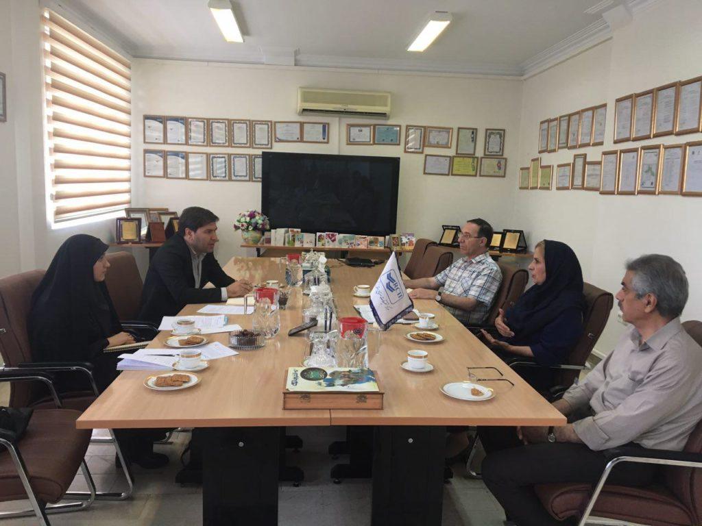 جلسه بررسی چالشهای استاندارد در حوزه فناوری اطلاعات و ارتباطات در مرکز تحقیقات صنایع انفورماتیک