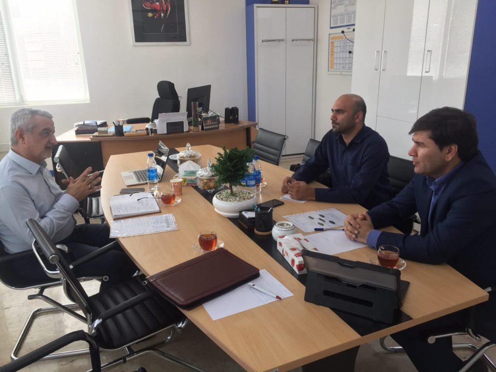 جلسه بررسی مسائل اساسی کلان کشور از دیدگاه آقای دکتر رحیم عبادی (رئیس مؤسسه آموزش عالی مهرالبرز)